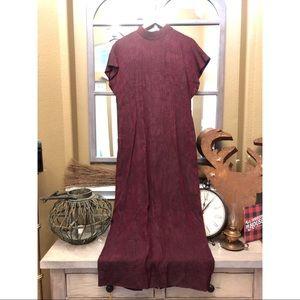 Dresses & Skirts - Vintage burgundy maxi dress
